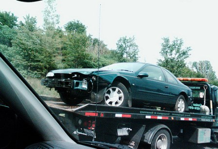 Junk car towing, junk vehicle buyer, old car scrap, quote for an old car, cash for a damaged car